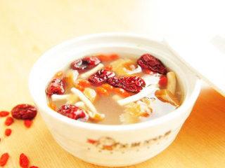 金线莲排骨汤 煲汤的做法 广东煲汤 药膳食谱 药膳鸡汤 药膳排骨汤 药膳养生汤 前列腺炎食疗