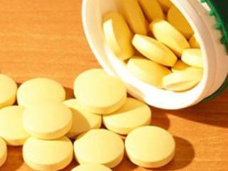 药物按来源分天然药物和合成药物。医药也可预防疾病,治疗疾病,减少痛苦,增进健康,或增强机体对疾病的抵抗力或帮助诊断疾病的物质。